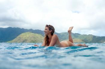 Coco Ho: Sexy Hawaiian Surfer - HQ x 1