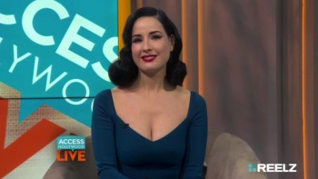 DITA VON TEESE - CLEAVAGE - Access Hollywood Live 12.22.15