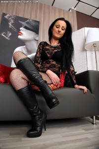 Spitting-Girls - Domina Luciana - Lick my boots clean!