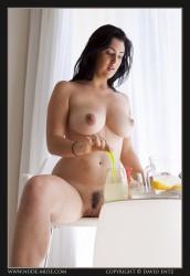 http://thumbnails105.imagebam.com/46087/4cfdba460869551.jpg