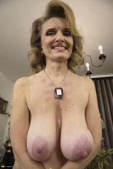 Lovely anne nude