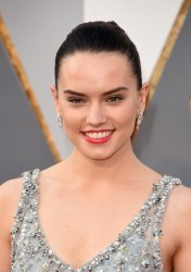 Daisy Ridley - 88th Annual Academy Awards 2/28/16