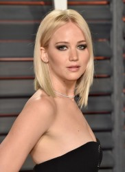 Jennifer Lawrence - 2016 Vanity Fair Oscar Party 2/28/16