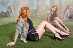 Bella Thorne en una campaña publicitaria de jeans  4f1e93469390258