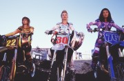 Ангелы Чарли: Только вперёд / Charlie's Angels: Full Throttle (Диаз, Лью, Мур, Бэрримор, 2003) 2550e3469963505