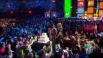 Debby Ryan and Sarah Hyland Video - Nickelodeon's 2016 Kid's Choice Awards